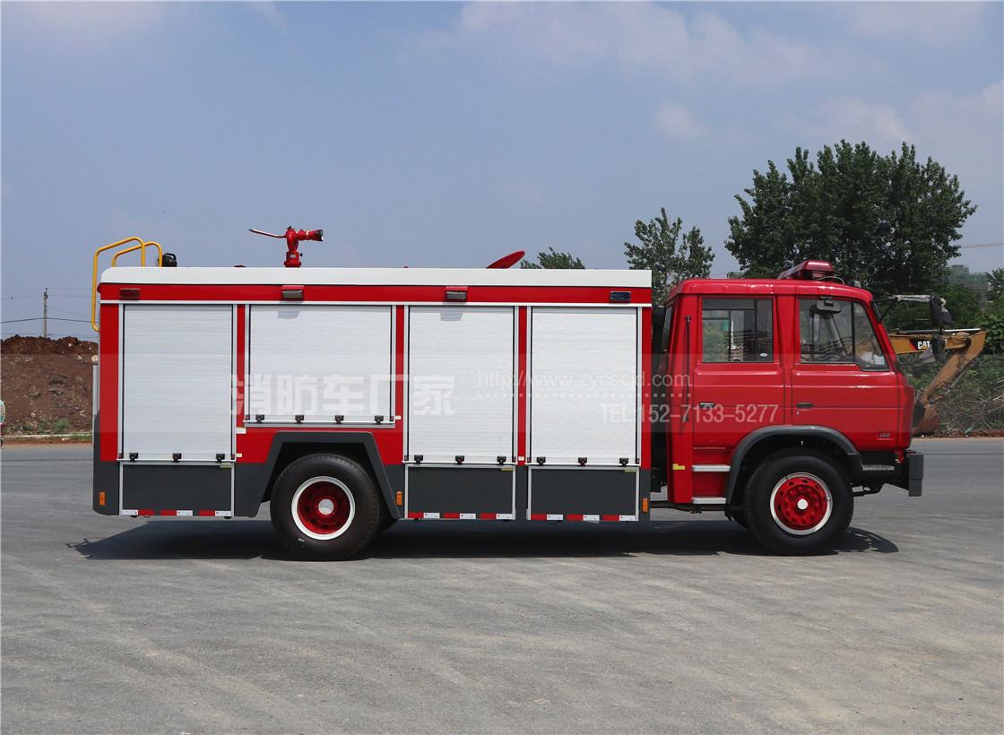 东风153 6吨泡沫消防车