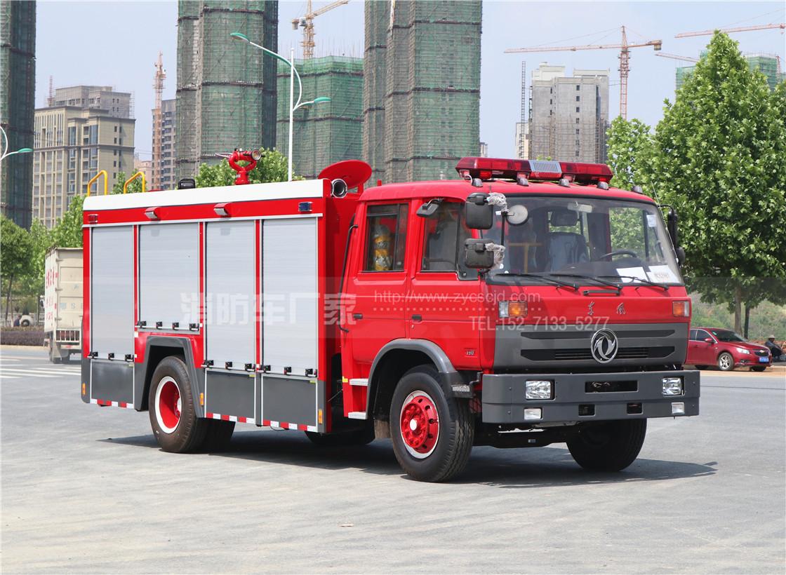 东风153双排座6吨水罐消防车