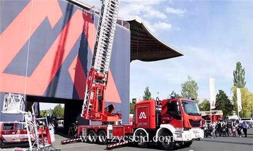 马基路斯M68L云梯车创造云梯消防车新记录