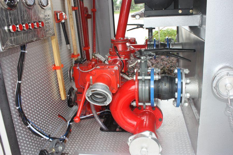 水罐消防车消防泵的故障判断与维修