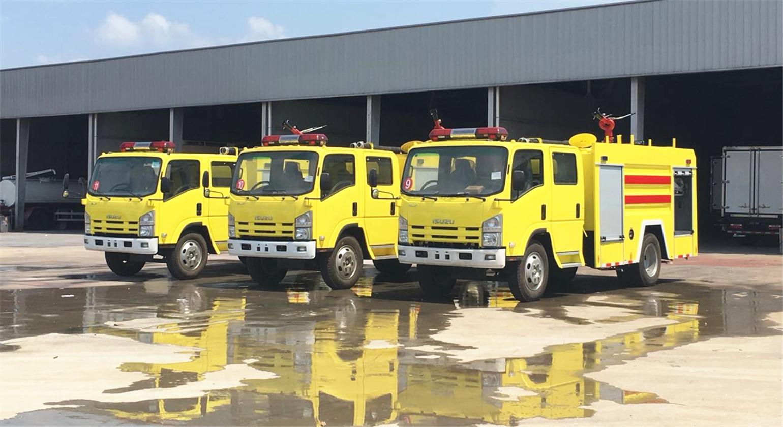 迪拜客户第二次采购五十铃4吨泡沫消防车