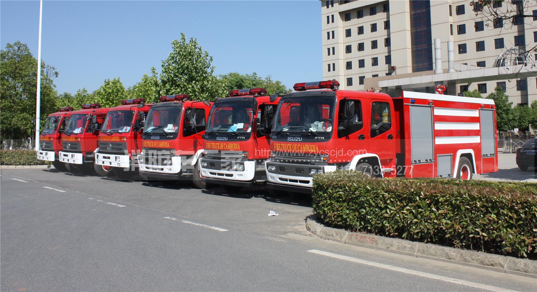 中东客户采购6台消防车