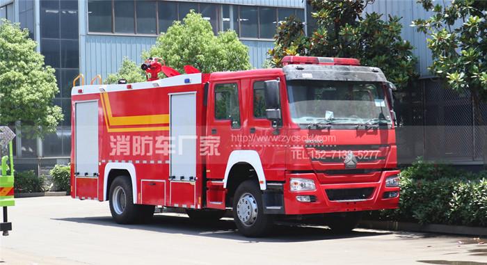 国外消防车用户:出口重汽右驾10吨泡沫消防车